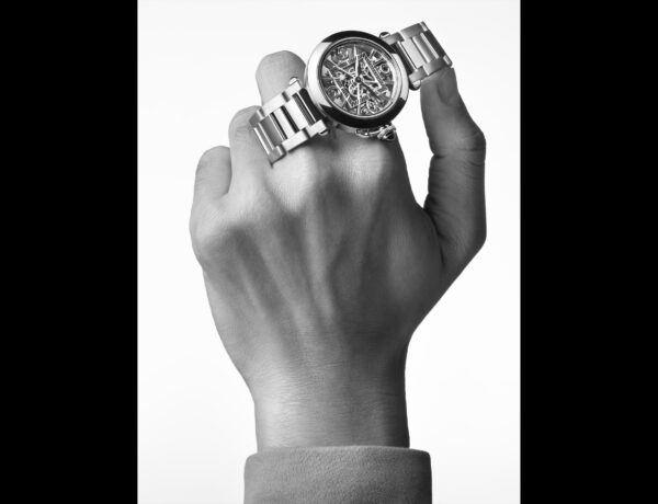 Cartier lanza el nuevo modelo Pasha con una campaña que rompe con lo establecido